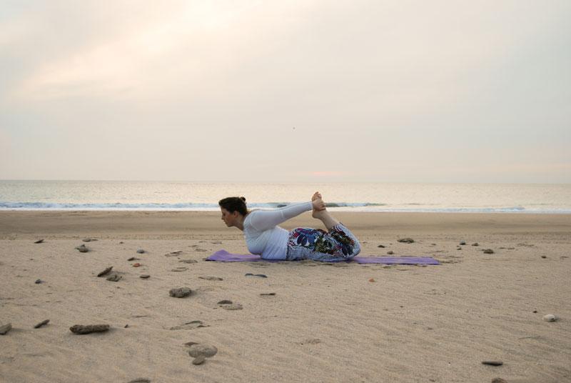 Dhanurasana   La postura del Arco